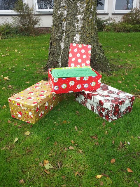 weihnachten im oktober und im schuhkarton grundschule. Black Bedroom Furniture Sets. Home Design Ideas
