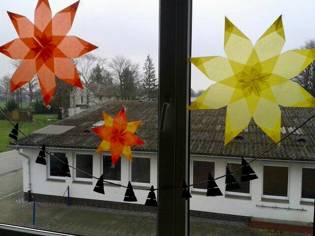 Vom Strickschlauchmandala Und Adventsbasteln Grundschule Oppenwehe